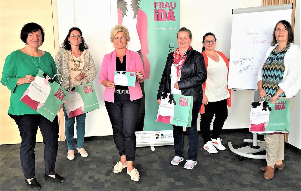 Kommunikationsexpertin Susanna Fink und die Teilnehmerinnen vom SelbstMARKEting-Workshop im September 2020