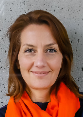 Mag. Johanna LEON SCHNEID